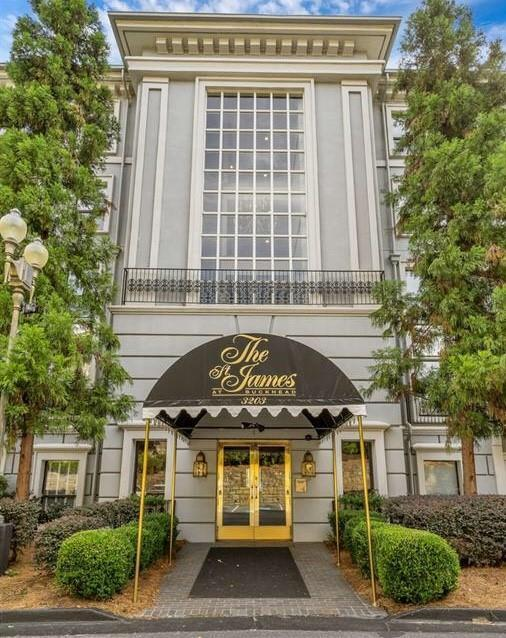 3203 Lenox Road NE #38, Atlanta, GA 30324 (MLS #6521466) :: Charlie Ballard Real Estate