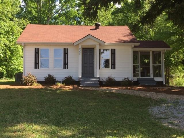 4553 Winder Highway, Flowery Branch, GA 30542 (MLS #6543146) :: Hollingsworth & Company Real Estate