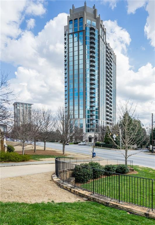 2795 Peachtree Road NE #2406, Atlanta, GA 30305 (MLS #6546017) :: RE/MAX Paramount Properties