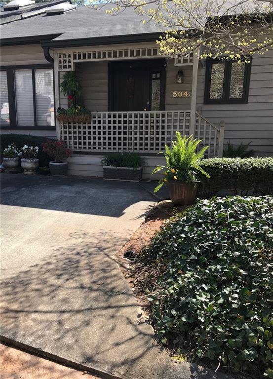 5043 Gardenia Circle, Marietta, GA 30068 (MLS #6546756) :: North Atlanta Home Team