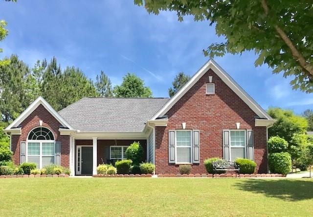 7874 The Lakes Drive, Fairburn, GA 30213 (MLS #6551578) :: Iconic Living Real Estate Professionals