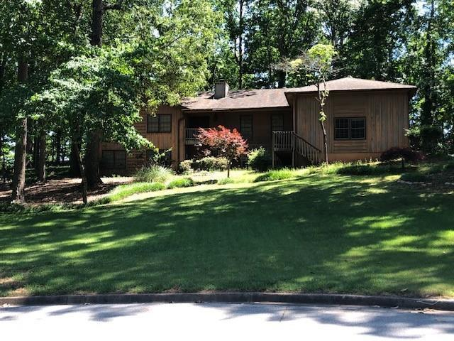 1755 Golfcrest Court, Stone Mountain, GA 30088 (MLS #6553226) :: The Zac Team @ RE/MAX Metro Atlanta