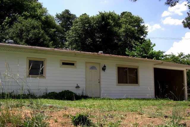 2390 Brackett Road SW, Marietta, GA 30060 (MLS #6558658) :: North Atlanta Home Team