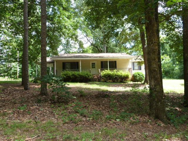 1627 Dogwood Trail, Monroe, GA 30655 (MLS #6568939) :: The Heyl Group at Keller Williams