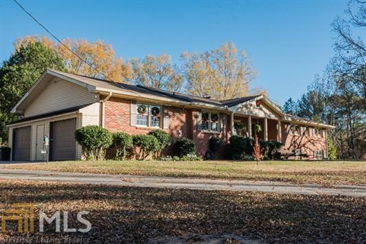 7322 Browns Mill Road, Lithonia, GA 30038 (MLS #6569615) :: The Heyl Group at Keller Williams