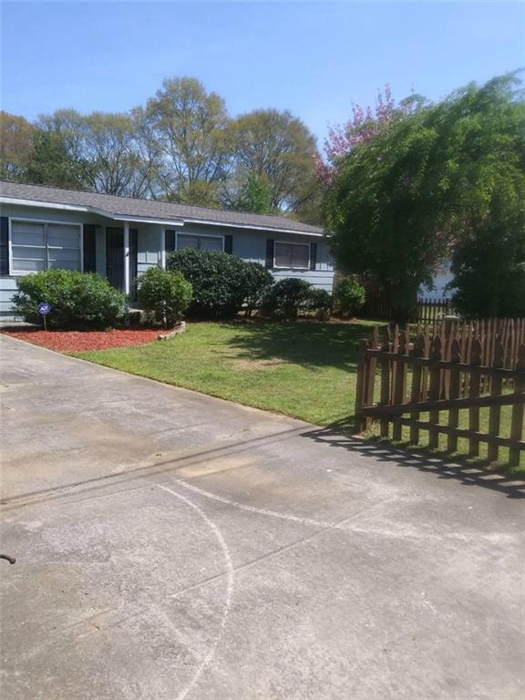 1208 Hiawatha Lane, Austell, GA 30168 (MLS #6570323) :: KELLY+CO