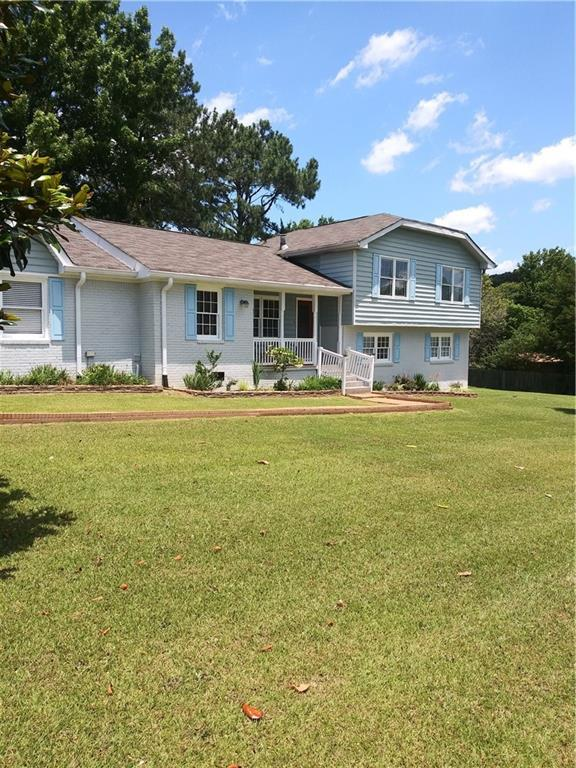 2345 Springdale Drive, Snellville, GA 30078 (MLS #6570329) :: The Heyl Group at Keller Williams