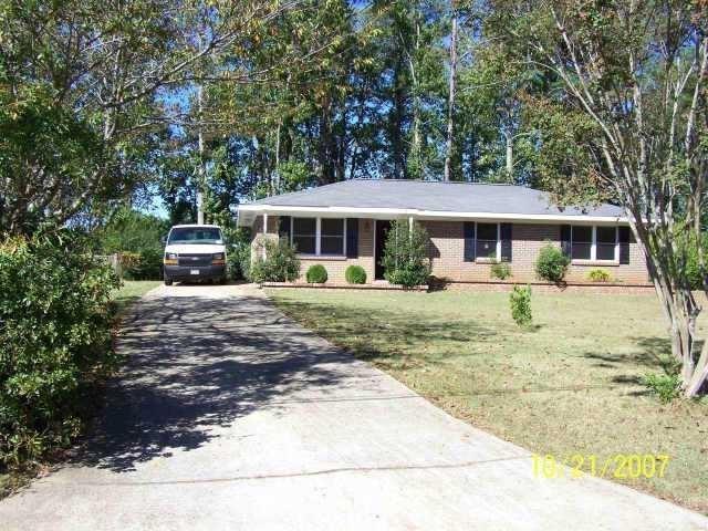 1939 Suwanee Terrace, Lawrenceville, GA 30043 (MLS #6570986) :: RE/MAX Paramount Properties