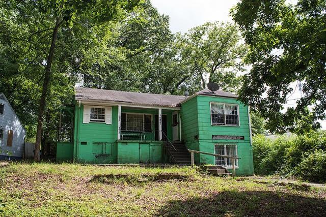1488 E Forrest Avenue, East Point, GA 30344 (MLS #6572100) :: North Atlanta Home Team