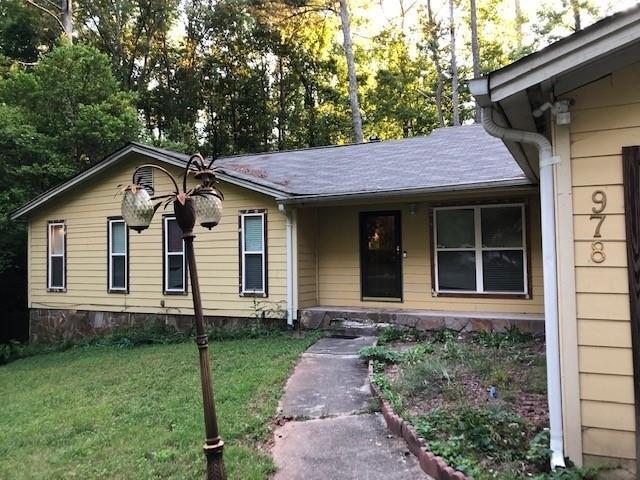 978 Millard Road, Stone Mountain, GA 30088 (MLS #6573982) :: North Atlanta Home Team
