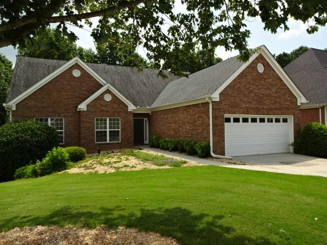 4997 Holland View Drive, Flowery Branch, GA 30542 (MLS #6582989) :: The Hinsons - Mike Hinson & Harriet Hinson