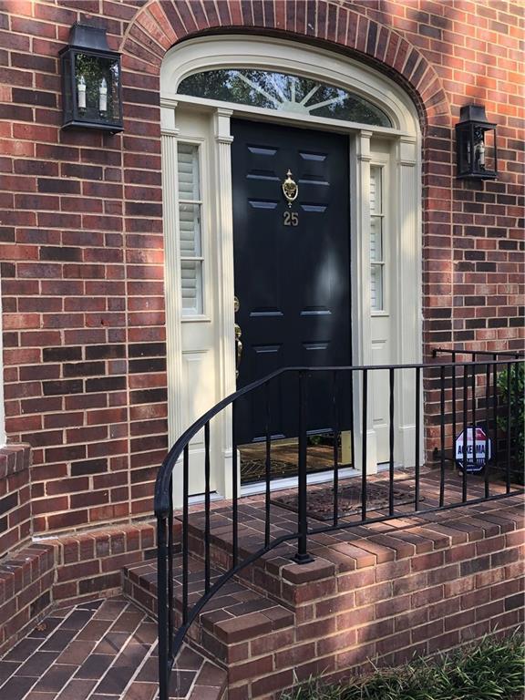 25 Howell Mill Plantation NW, Atlanta, GA 30327 (MLS #6587893) :: Iconic Living Real Estate Professionals