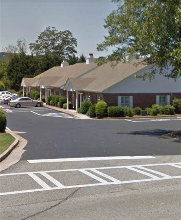 105 Pilgrim Village Drive 200 & 300, Cumming, GA 30040 (MLS #6600426) :: North Atlanta Home Team