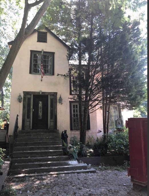 2045 Lenox Road NE, Atlanta, GA 30324 (MLS #6603323) :: Iconic Living Real Estate Professionals
