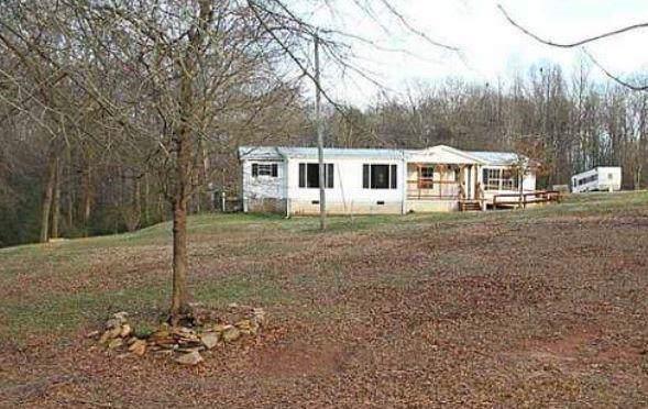 4497 Three Bridges Road, Gillsville, GA 30543 (MLS #6604120) :: The Heyl Group at Keller Williams