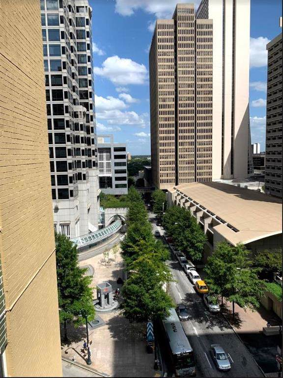 300 Peachtree Street NE 9K, Atlanta, GA 30308 (MLS #6608119) :: The Zac Team @ RE/MAX Metro Atlanta