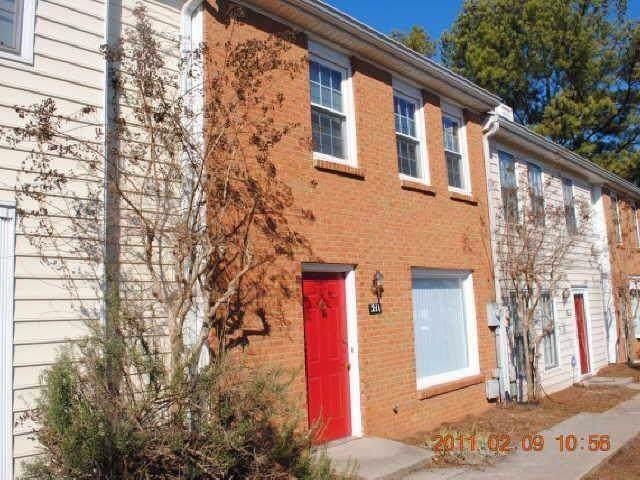 211 Holcomb Ferry Road, Roswell, GA 30076 (MLS #6609643) :: North Atlanta Home Team