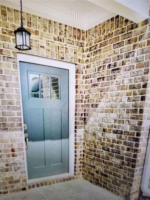 1747 Weatherbrook Circle, Lawrenceville, GA 30043 (MLS #6610711) :: Good Living Real Estate