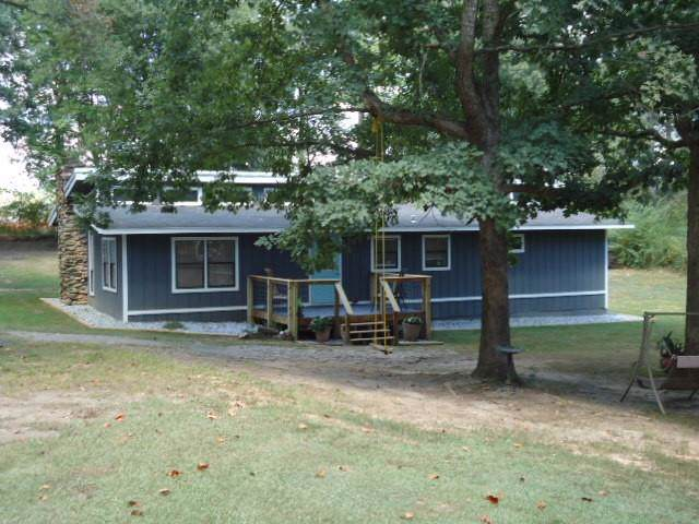 9390 Meadowbrook Drive, Gainesville, GA 30506 (MLS #6611232) :: North Atlanta Home Team