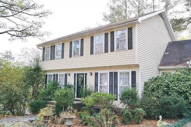 455 Cove Drive NE, Marietta, GA 30067 (MLS #6615059) :: North Atlanta Home Team