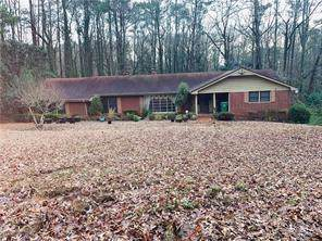 2990 W Peek Road NW, Atlanta, GA 30318 (MLS #6618361) :: Path & Post Real Estate