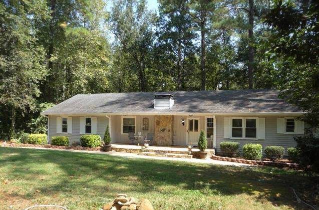 3160 Oak Drive, Lawrenceville, GA 30044 (MLS #6619565) :: North Atlanta Home Team