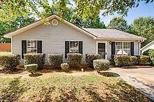 4245 Viewpoint Lane, Ellenwood, GA 30294 (MLS #6619899) :: North Atlanta Home Team