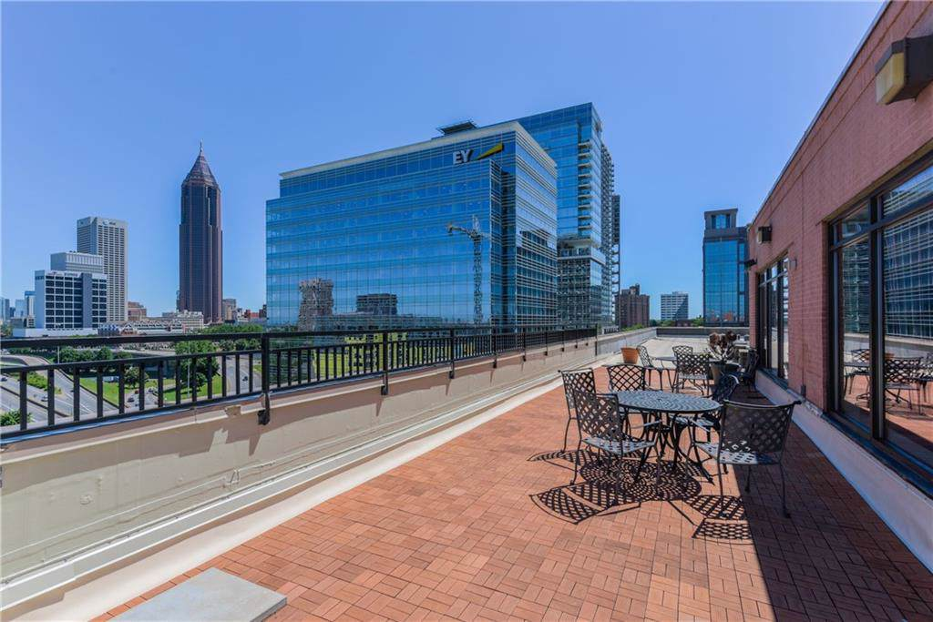 115 Peachtree Place - Photo 1