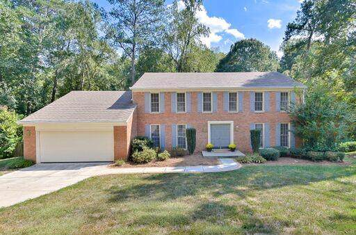 223 Lamplighter Lane SE, Marietta, GA 30067 (MLS #6624087) :: RE/MAX Prestige