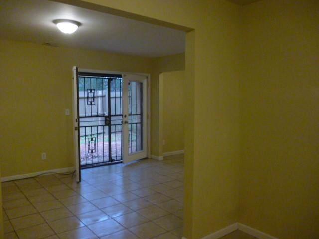 2725 Penwood Place, Lithonia, GA 30058 (MLS #6625050) :: Charlie Ballard Real Estate