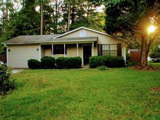 10260 Hamilton Glen, Jonesboro, GA 30238 (MLS #6628670) :: North Atlanta Home Team