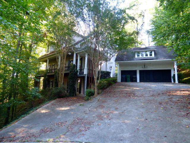 4598 Chattahoochee Court SE, Marietta, GA 30067 (MLS #6633382) :: The North Georgia Group