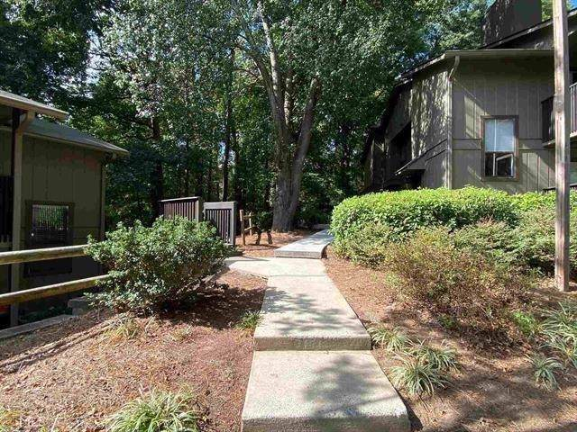 1702 Cumberland Court SE, Smyrna, GA 30080 (MLS #6634164) :: Path & Post Real Estate