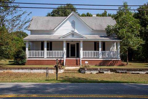 124 East Johnson Street, Temple, GA 30179 (MLS #6644353) :: The Hinsons - Mike Hinson & Harriet Hinson
