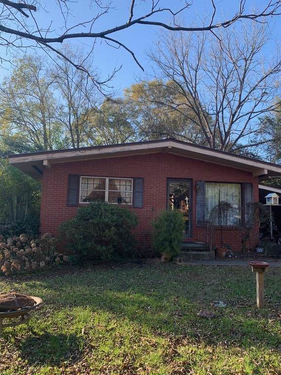 3172 SW Rebecca Street E, Covington, GA 30014 (MLS #6645796) :: The Zac Team @ RE/MAX Metro Atlanta
