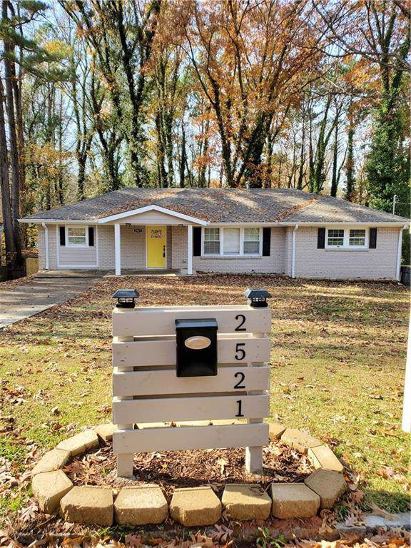 2521 Riggs Drive, East Point, GA 30344 (MLS #6650580) :: KELLY+CO