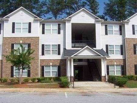 8301 Fairington Village Drive, Lithonia, GA 30038 (MLS #6654682) :: RE/MAX Prestige