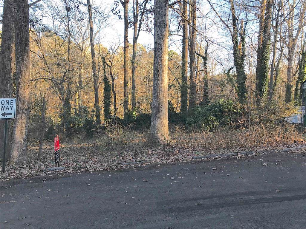 605 Spruce Drive - Photo 1
