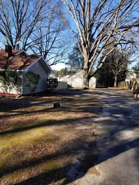 6240 Giles Road, Lithonia, GA 30058 (MLS #6671103) :: RE/MAX Paramount Properties