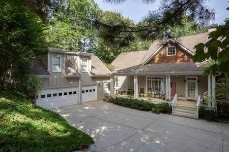 6435 Point Twenty Two, Gainesville, GA 30506 (MLS #6681119) :: Charlie Ballard Real Estate