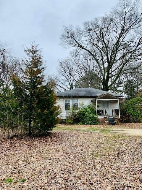 6546 N Sweetwater Road, Lithia Springs, GA 30122 (MLS #6684221) :: The Cowan Connection Team