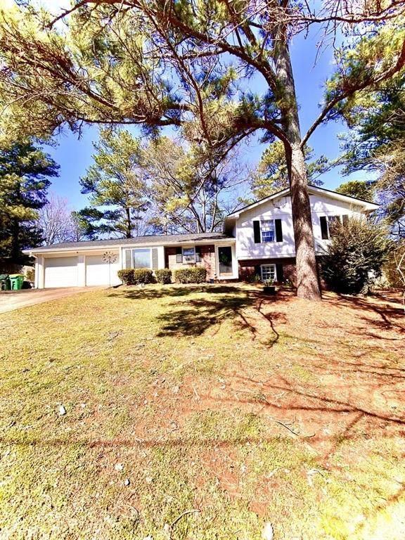 302 Fernbank Court, Alpharetta, GA 30004 (MLS #6687635) :: Path & Post Real Estate