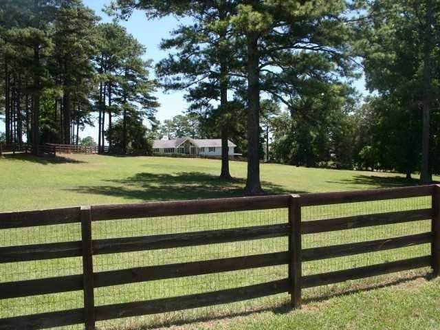 2516 Cherokee Drive - Photo 1