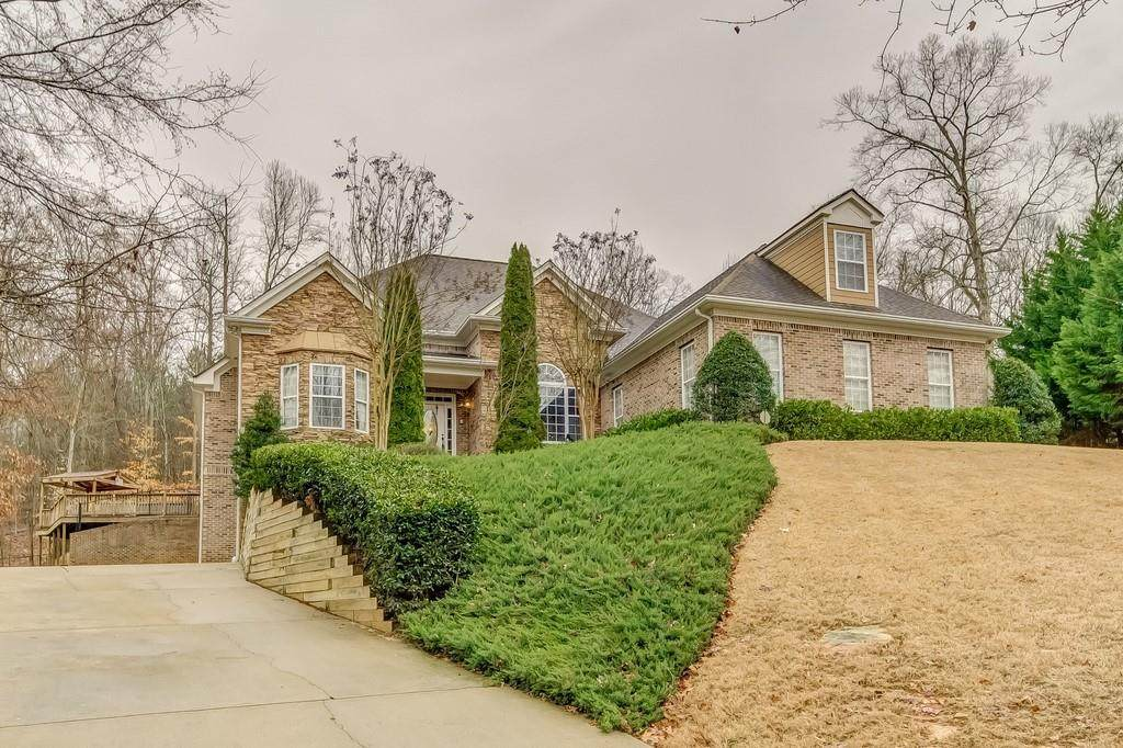386 River Chase - Photo 1