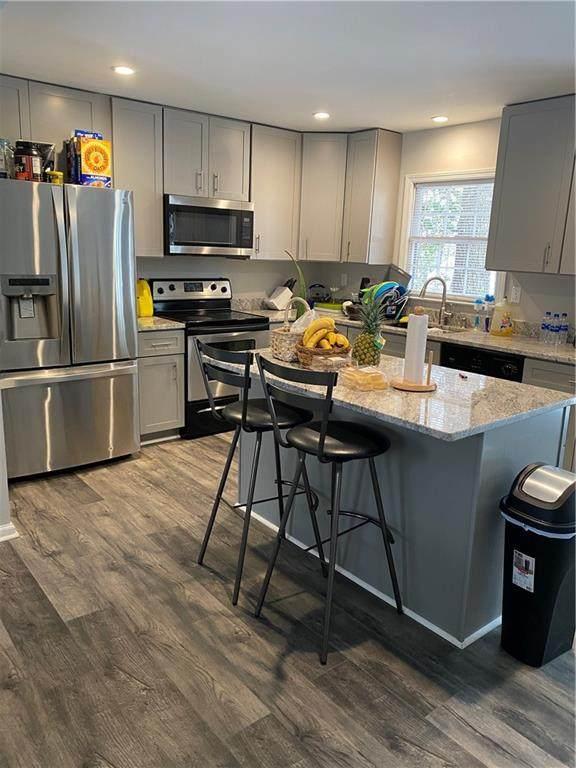 962 Hickory Nut Lane, Lawrenceville, GA 30043 (MLS #6696102) :: Kennesaw Life Real Estate