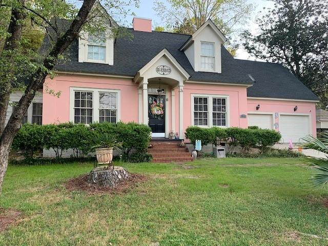 1104 W Fiirst Avenue, Albany, GA 31707 (MLS #6710470) :: The Realty Queen & Team