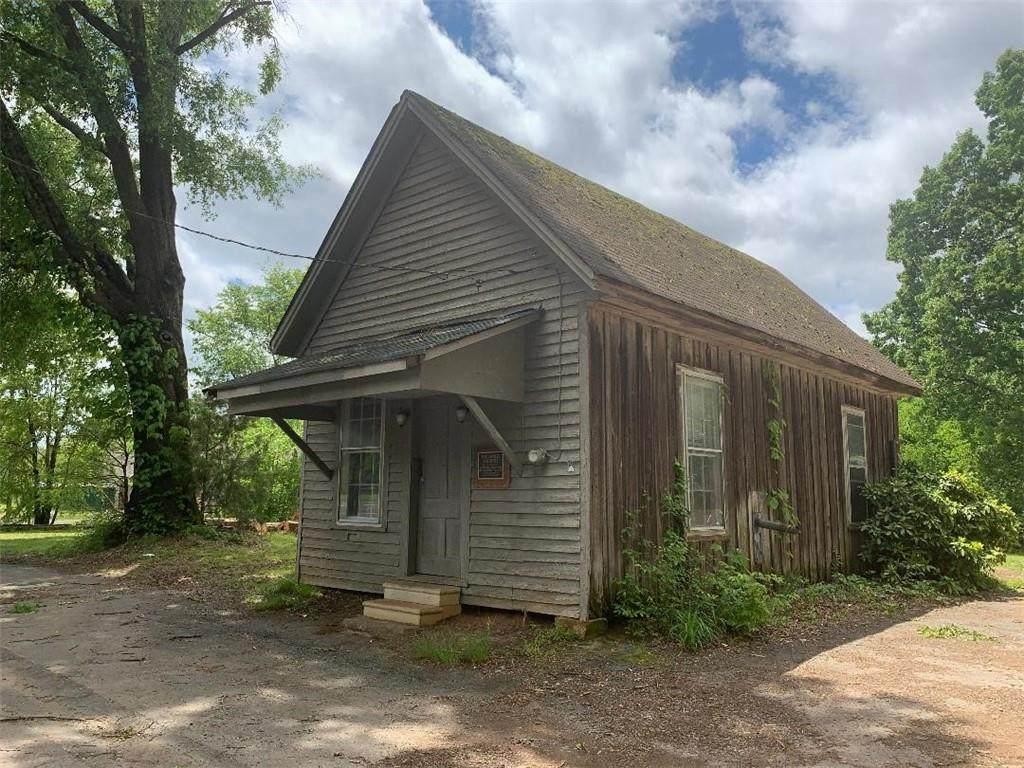 1813 Cassville Road - Photo 1