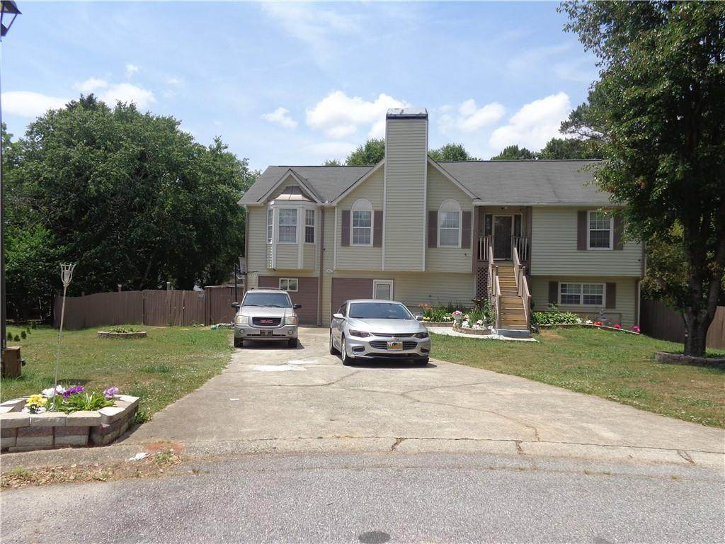 9189 Twin Oaks Court - Photo 1