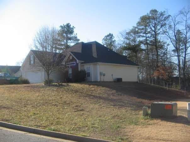 619 Rosebud Lane, Winder, GA 30680 (MLS #6725730) :: The Heyl Group at Keller Williams