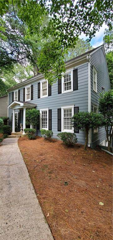 296 Laurel Lane, Roswell, GA 30076 (MLS #6726198) :: Thomas Ramon Realty